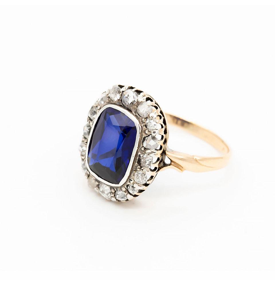 Inel din aur galben cu safir și diamante