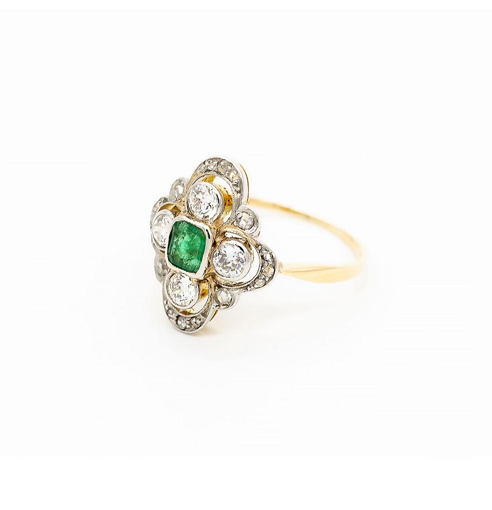 Inel din aur galben și alb, cu smarald și diamante