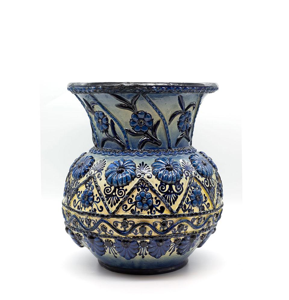 Vas din ceramică