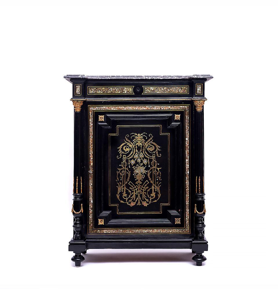 Bahut stil Napoleon III, din lemn cu inserții de bronz doré și sidef